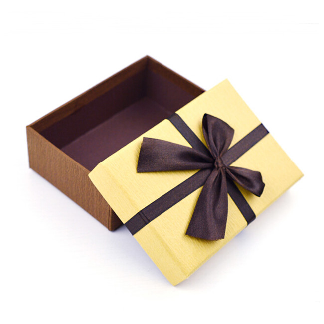 Gift Paper Box With Bowknot