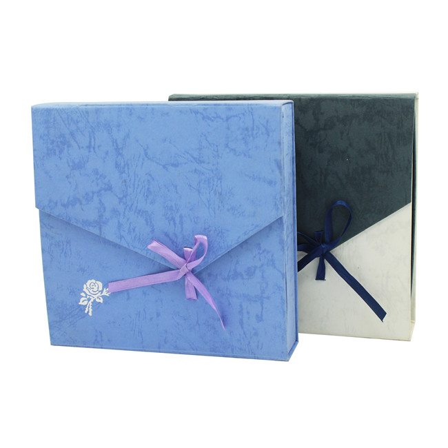 Blue textured bracelet gift box wholesale with silver foil