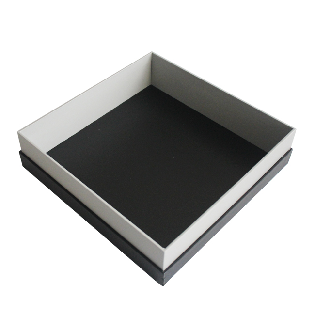 oversized gift box with lid
